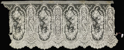 Point de Gaze needlelace flounce, early 20th century
